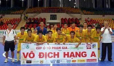 Đội futsal nam việt vô địch